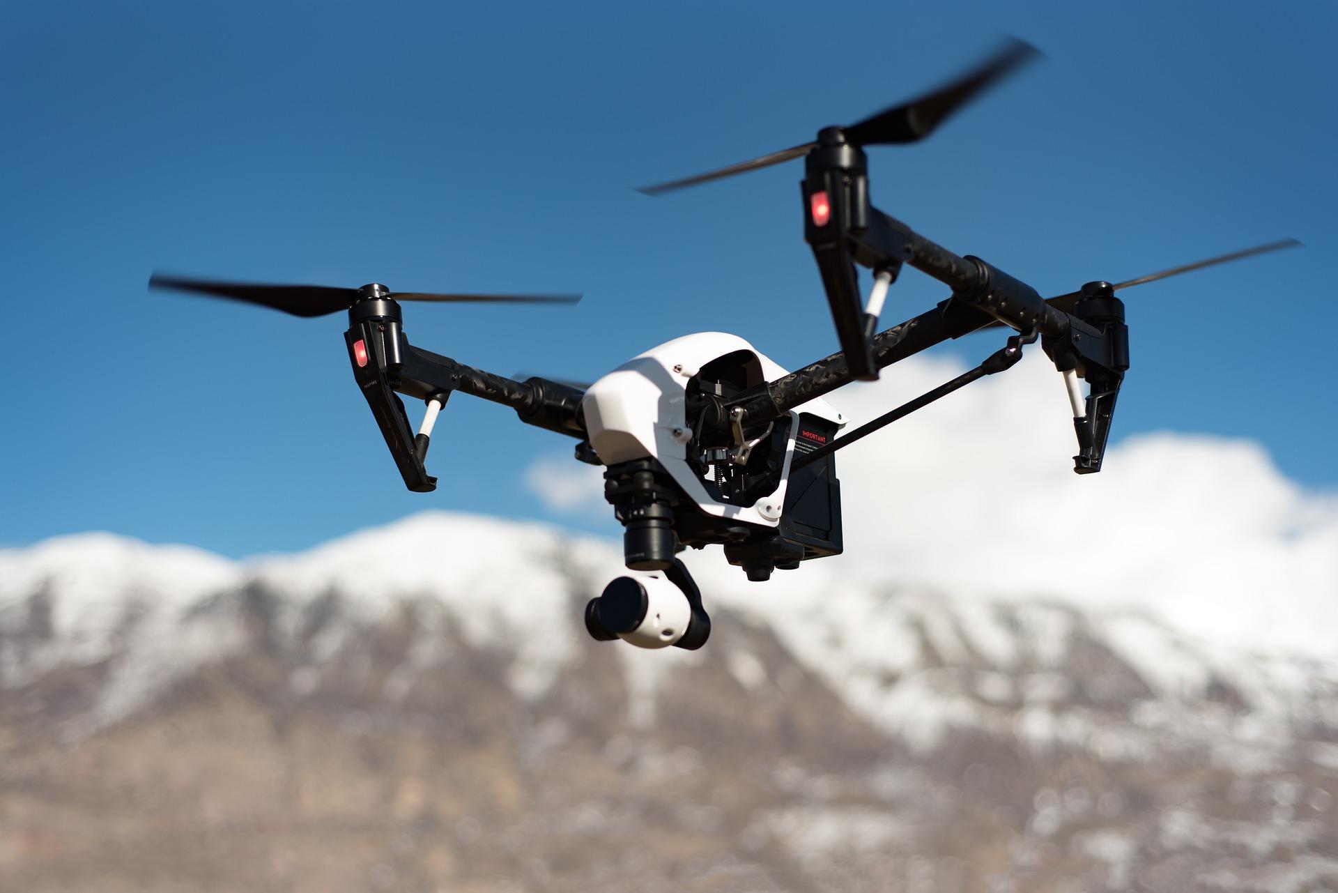drone-1245980_1920