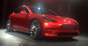 Tesla_Model_3_trimmed_retouched